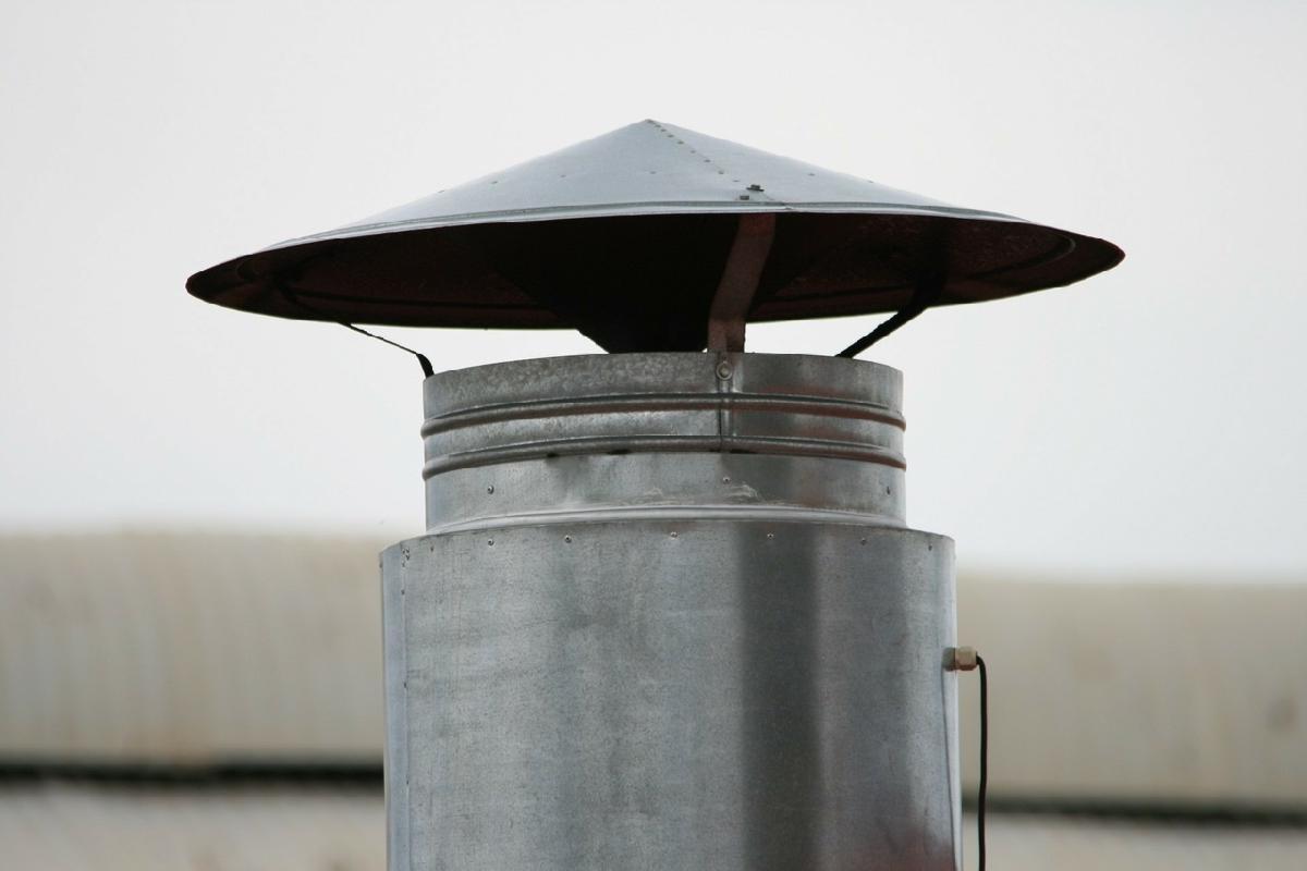 Зонт для вытяжной трубы